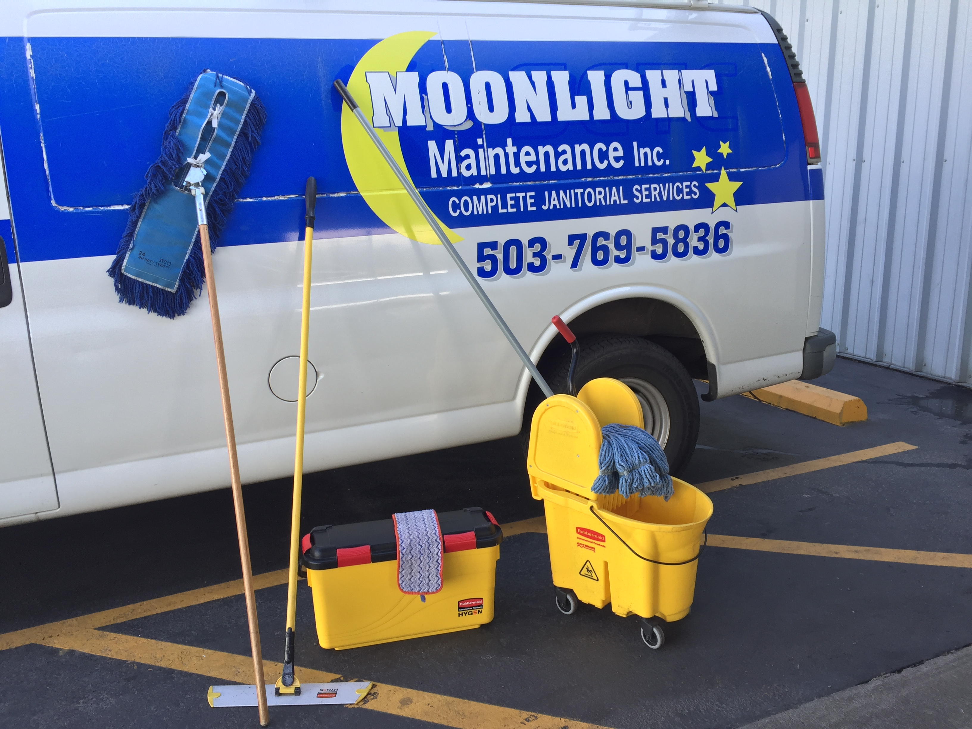 moonlight maintenance,janitorial service,commercial cleaning,residential cleaning
